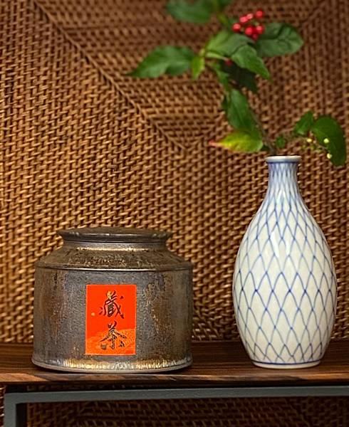 A80康嘉良墨金四兩茶罐-3.jpg