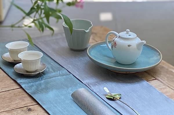 淺藍釉色壺承-4.jpg