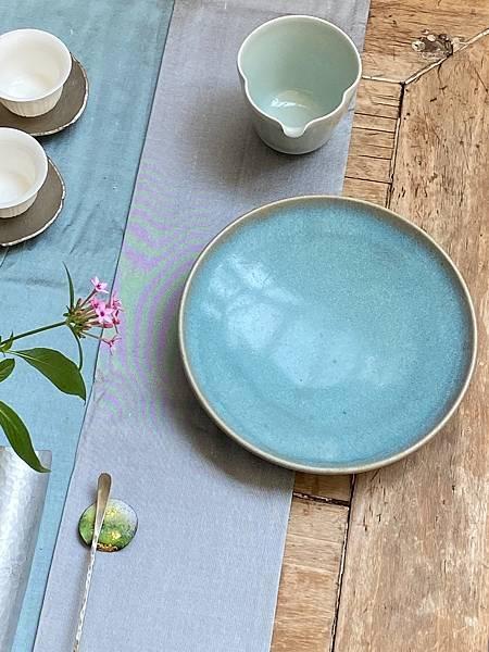 淺藍釉色壺承-1.jpg