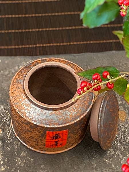 A83康嘉良創作茶罐-3.jpg