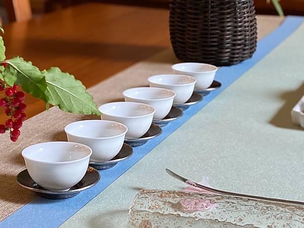 亮澤淺藍淺綠防水茶巾-2.jpg