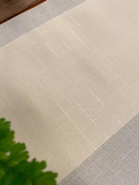 淺米黃格紋防水茶巾-3.jpg