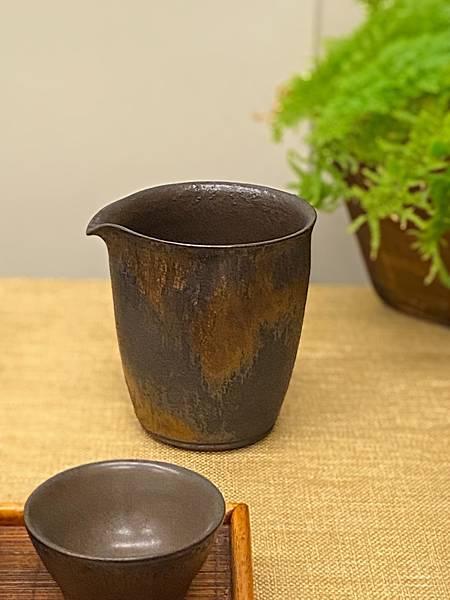 康嘉良墨金茶盅A10-1.jpg