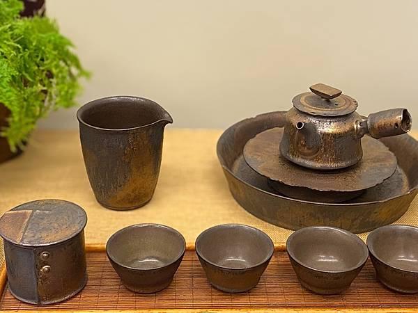 康嘉良墨金茶盅A10-2.jpg
