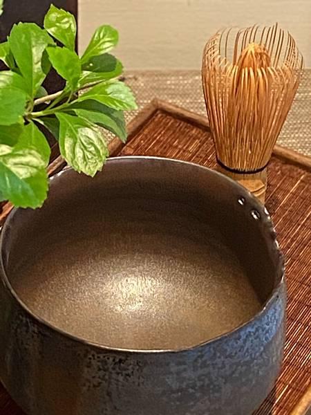 A90康嘉良墨金茶碗。水方-3.jpg