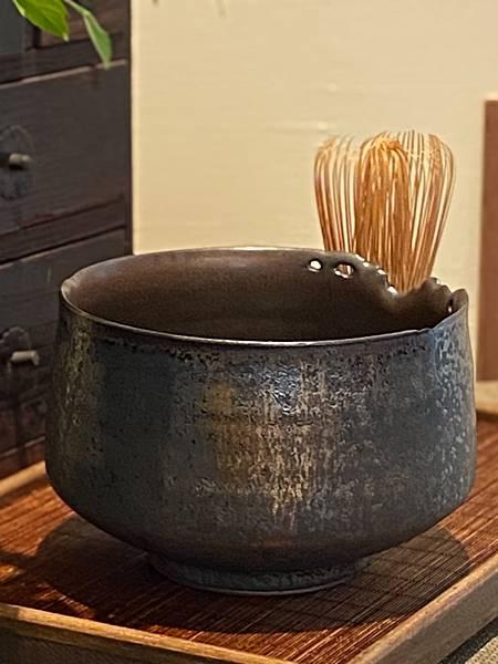 A90康嘉良墨金茶碗。水方-5.jpg