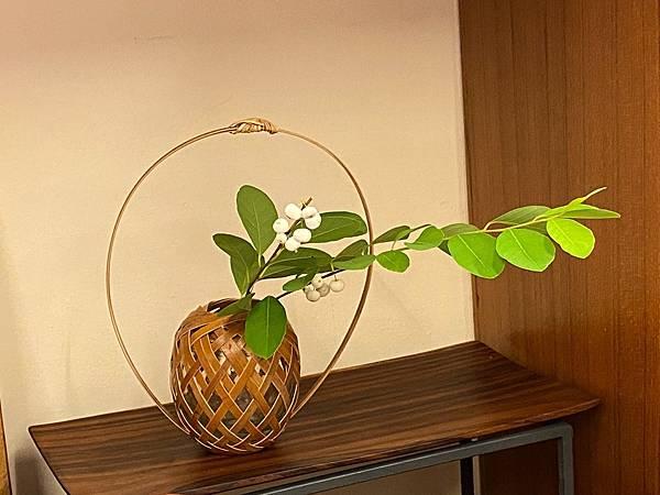 小圓高提把竹編花器-1.jpg