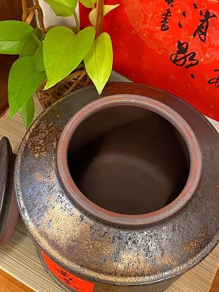 A92康嘉良2斤墨金茶罐-5.jpg
