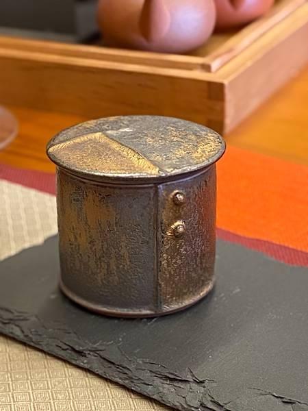 A70康嘉良墨金小茶罐-1.jpg