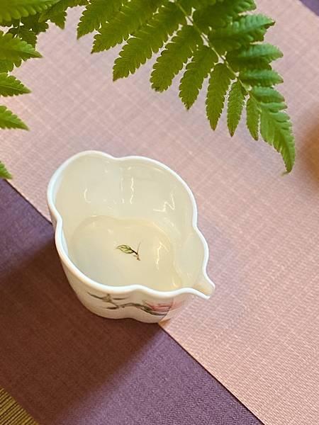 手繪花紋茶盅-5.jpg