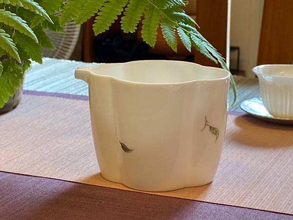 手繪花紋茶盅-4.jpg