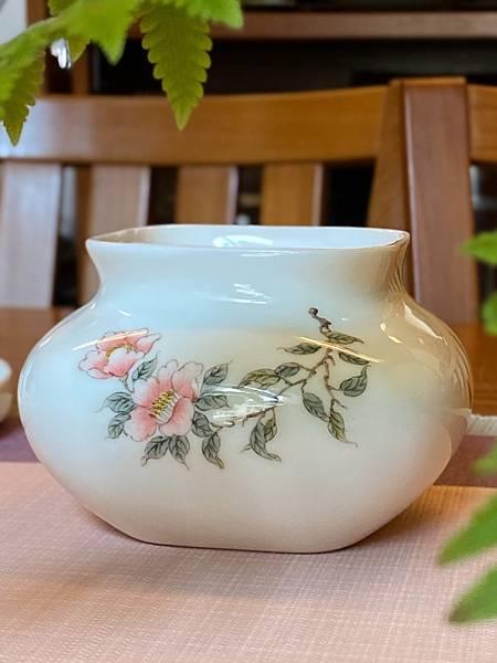 手繪山茶花瓷水方-4.jpg