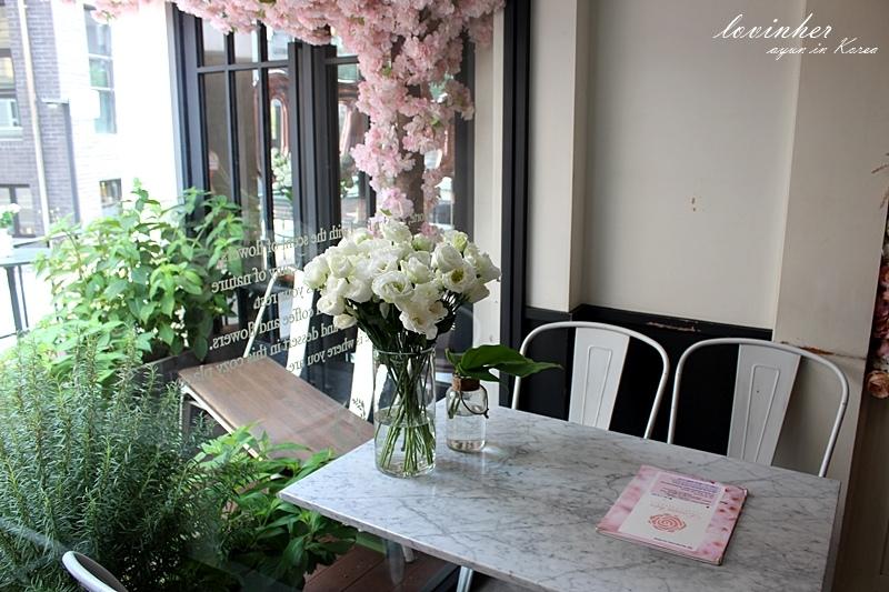 lovinher咖啡廳 (4).JPG