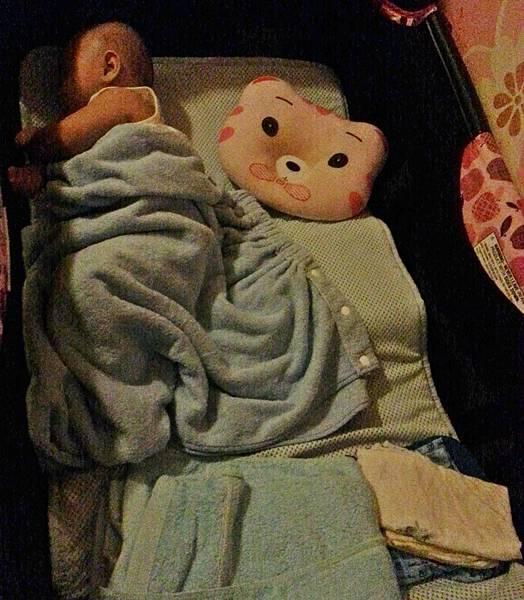 嬰兒床空氣軟墊 (3).jpg