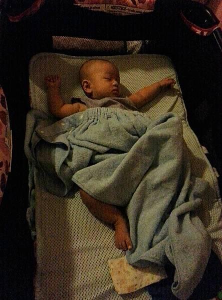 嬰兒床空氣軟墊 (4).jpg