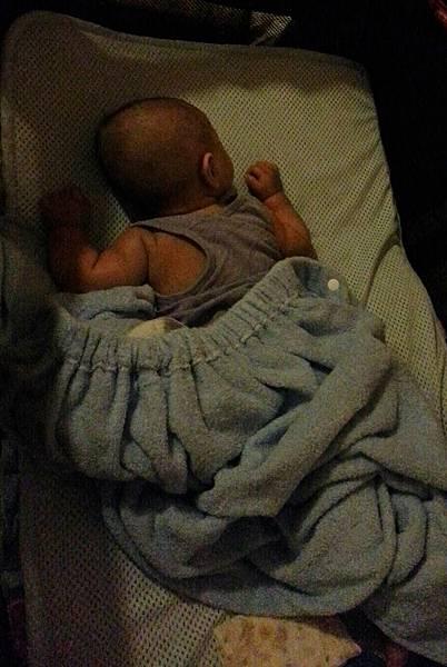 嬰兒床空氣軟墊 (5).jpg