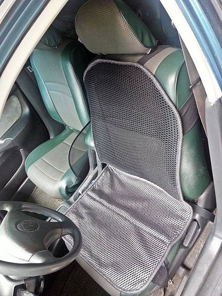 舒適型節能汽車透氣坐墊 (5).jpg