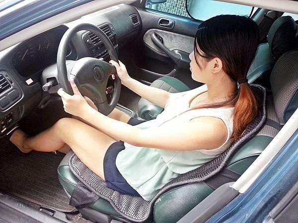 舒適型節能汽車透氣坐墊 (8).jpg