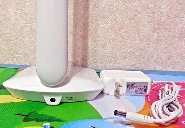 知視家LED護眼檯燈 KG680 (9).jpg