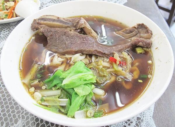 傳家寶牛肉麵館 (22).JPG