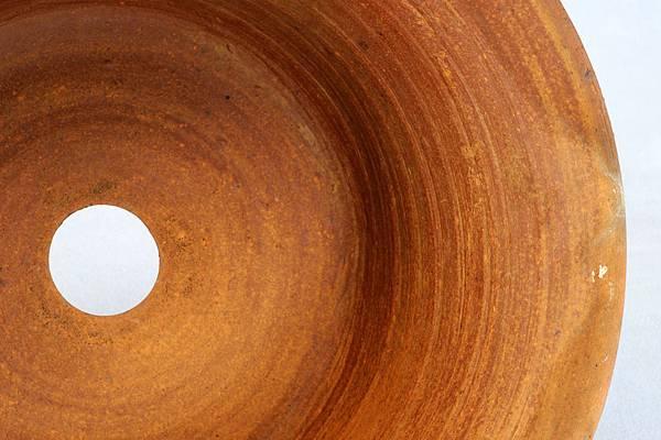 素燒盆的拉坯線條特寫