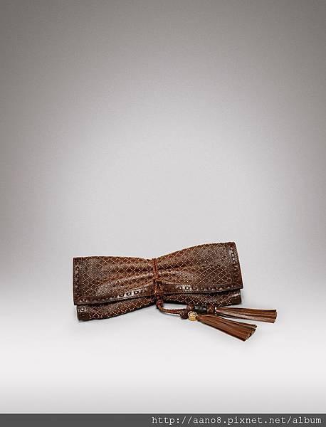 卯釘編織皮帶裝飾手抓包 $84000.jpg