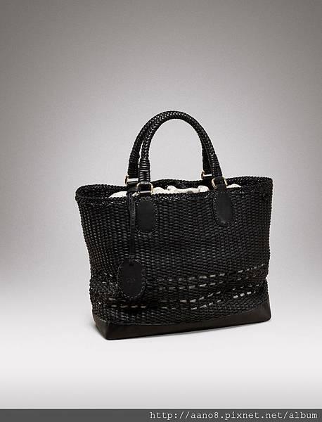 黑色方形鏤空皮革編織提袋 $172400.jpg