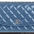 海軍藍漆皮發財包 售價NT$50,200.jpg