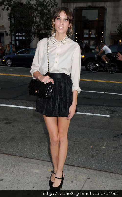 28326_Preppie_-_Alexa_Chung_at_The_.jpeg