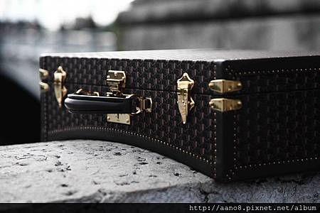 MOYNAT-LIMO-close-1024x682