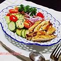香草雞排和風沙拉
