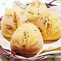 羅勒蒜香三角麵包