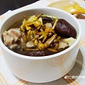 金針香菇排骨湯