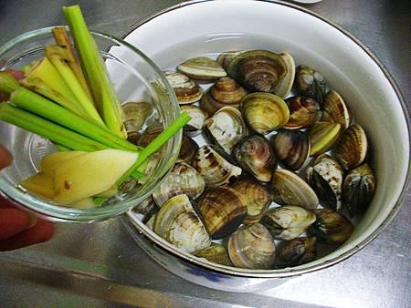 香茅蛤蜊湯 (1)