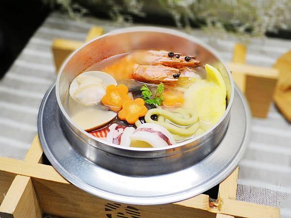 【邀稿食譜】~菠菜海鮮鍋燒麵