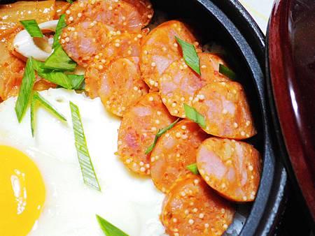 韓式泡菜香腸石鍋拌飯 (7)