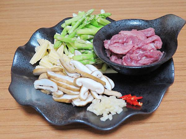 蘆筍炒肉絲 (6)