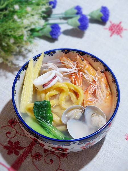 【體驗】色彩繽紛蔬菜海鮮麵-Panasonic 變頻製麵包機 SD-BMT2000T
