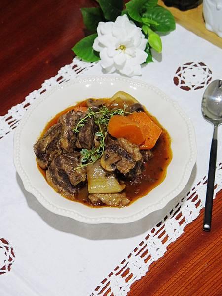法式料理輕鬆做~紅酒燉牛肉
