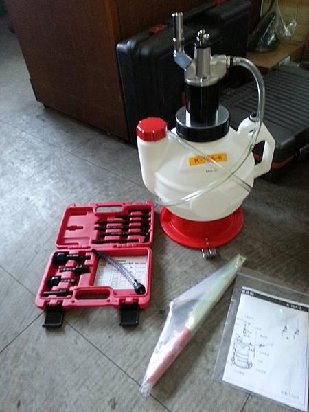 應付進口車自動變速箱專用加油機