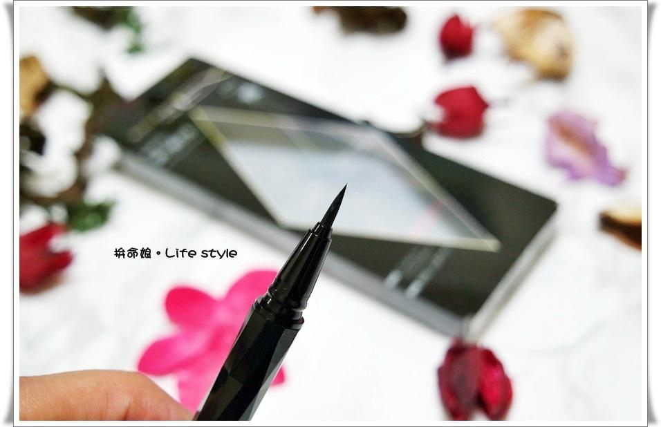 KATE 進化版持久液體眼線筆4.jpg