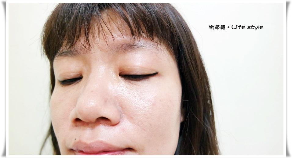 KATE 進化版持久液體眼線筆10.jpg