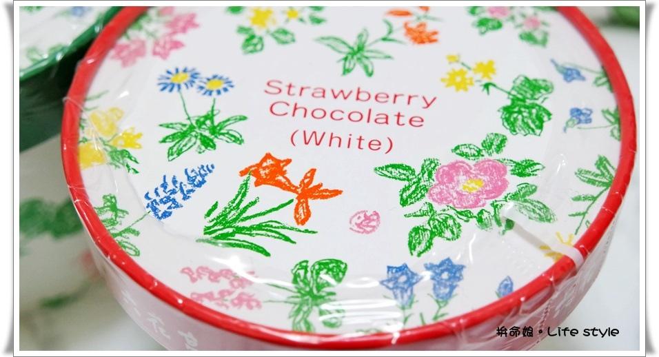 北海道伴手禮 杏仁白巧克力 六花亭 草莓巧克力 奶油葡萄夾心餅乾 1.jpg