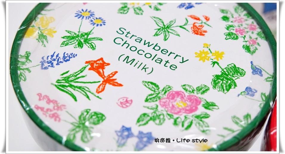 北海道伴手禮 杏仁白巧克力 六花亭 草莓巧克力 奶油葡萄夾心餅乾 2.jpg
