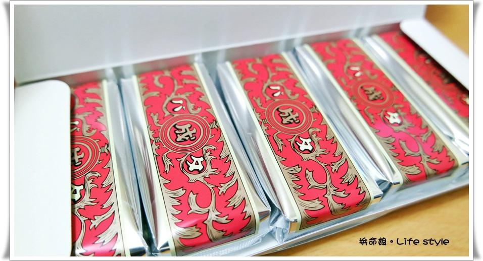 北海道伴手禮 杏仁白巧克力 六花亭 草莓巧克力 奶油葡萄夾心餅乾 6.jpg