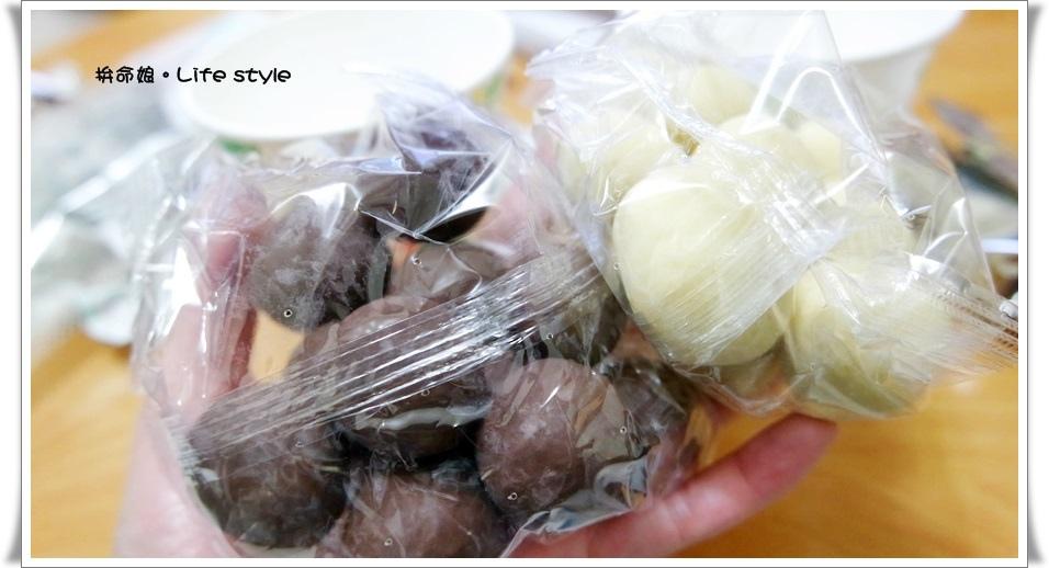 北海道伴手禮 杏仁白巧克力 六花亭 草莓巧克力 奶油葡萄夾心餅乾 8.jpg