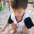 錦和公園玩沙2010-5-28 (1).jpg