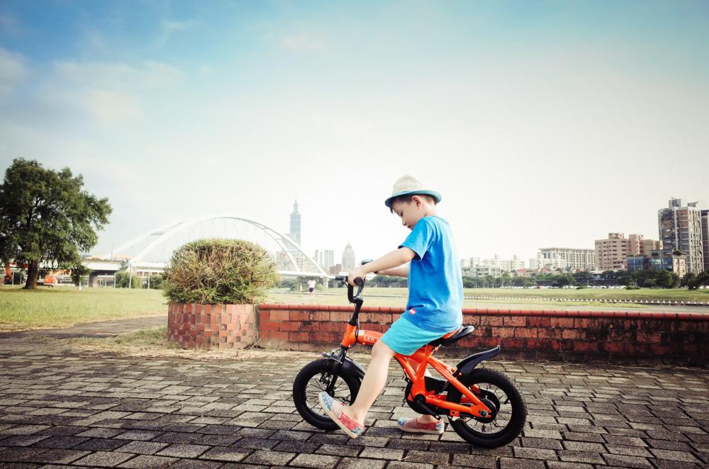 學兩輪腳踏車之前滑步車學習分享