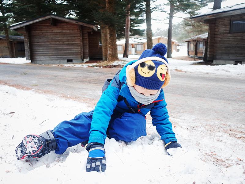 滑雪玩雪兒童雪地保暖穿搭