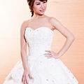 [分享]禮服試穿-手工白紗@1+1故事館婚紗出租